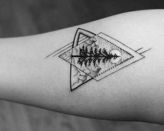 tatouage bras tatouage arbre tatouage géométrique