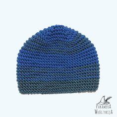 Czapka w kolorze niebieskim i szaro-jeansowym.  http://pakamera.wix.com/pakamera-wloczykija#!poranek-nad-listersjon-2/chgl