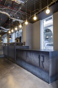 Boutique Gym in London by Studio - Leandri van Zyl - Photo Gym Design, Cafe Design, Retail Design, Gym Lighting, Personal Training Studio, Industrial Interiors, Industrial Closet, Industrial Shop, Industrial Bookshelf