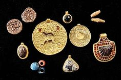 Jewelry from the grave of an Anglo-Saxon princess in East Cleveland, 7th century, Kirkleatham Museum http://www.redcar-cleveland.gov.uk/rcbcweb.nsf/EE7B9DF8E8B83FA8802579F3004EB443/$FILE/Saxon-Princess-Exhibitoin-Flyer.pdf