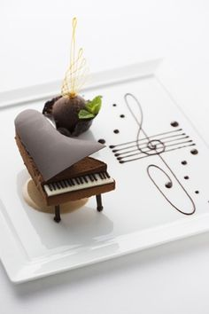 "Piano classroom rules ㄧ: ""No"" can eat when playing the piano. Let& change the piano .-鋼琴教室規則ㄧ:彈鋼琴時""不""能吃東西。 我們就把鋼琴變… Piano classroom rules ㄧ: ""No"" can eat when playing the piano. Let& turn the piano into food ! Love Chocolate, Chocolate Desserts, Luxury Chocolate, Chocolate Decorations, Fancy Desserts, Delicious Desserts, Gourmet Desserts, Gourmet Food Plating, Gourmet Foods"