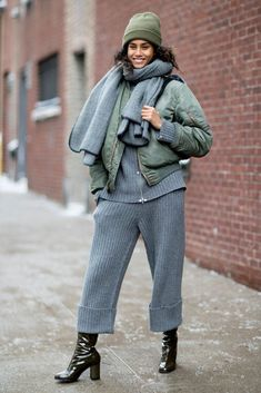 The Best Street Style Looks From New York Fashion Week Fall 2017 Winter Maternity Outfits, Winter Mode Outfits, Cold Weather Outfits, Winter Outfits Women, Winter Fashion Outfits, Casual Outfits, Cute Outfits, Summer Outfits, Outfits