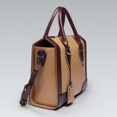 Retro torebka kuferkowa w kolorze karmela z czekoladą