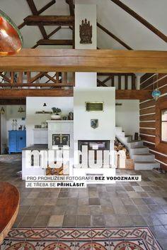 Můj Dům | Kuchyň v roubence na zelené louce