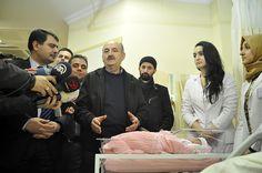 Direnişteyiz! » Yeni Yıla Girerken Devlet Geleneği: Seçilmiş Bebek, Satılmış Medya ve Bakan Şov