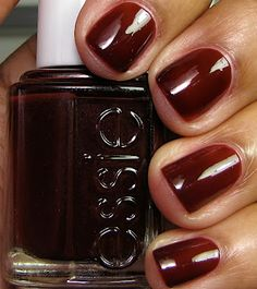 Emily Maynard Fave: Essie Clutch Me if You Can