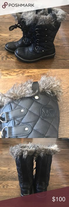 Worn once!! Women's Sorel Tofino waterproof boot Like new condition! Daughter outgrew these before the winter season began! Sorel Tofino boot in black. features a coated, waterproof canvas upper and a fleece lining that combine to keep your feet cozy, warm and stylish in those cold, wet, winters.  CONSTRUCTION UPPER: Waterproof coated canvas upper. Faux fur collar. Waterproof breathable membrane construction. Fleece lining. FOOTBED: Removable molded EVA footbed, microfleece topcover…