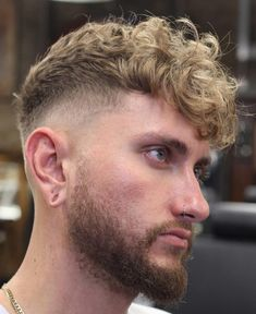 Match your cool hairstyle with an iconic low taper. See how you can modify this trend when you check out these low taper fade haircuts! Top Haircuts For Men, Cool Mens Haircuts, Cool Hairstyles, Modern Haircuts, Men's Hairstyle, Hairstyle Ideas, Wedding Hairstyles, Bald Taper Fade, Low Taper Fade Haircut