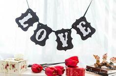 LOVE Black Party Decorations, Home Decor, Decoration Home, Room Decor, Home Interior Design, Home Decoration, Interior Design