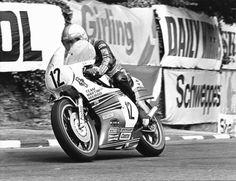 Mike Hailwood - Isle of Man TT Grand Prix, Road Racing, Racing Bike, Scooters, Motorcycle Racers, Racing Motorcycles, Isle Of Man, Super Bikes, Vintage Bikes