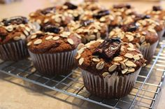 À vos fourneaux: Muffins au son et mélasse Muffins, Breakfast, Food, Recipes, Morning Coffee, Meal, Essen, Muffin, Hoods