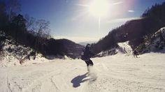 昨日はいい天気でした! もーちょっと縦軸もっていきたかった,,,, 板どうするかマジで迷い中,,,, #snowboard  #snowboarding  #grandtrick  #グラトリ  #スノボ