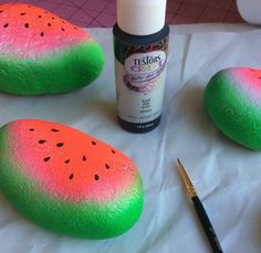 Yesterday I shared my new summer watermelon hat and flip-flop painting tutorial. Today is the second part of my watermelon painting fun. I am a little obsessed with word rocks and rock painting. So…
