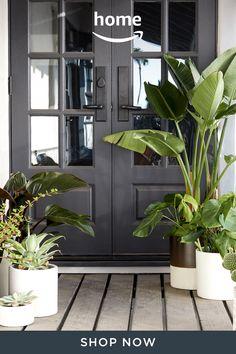 House Paint Exterior, Exterior House Colors, Exterior Design, Interior And Exterior, Dream Home Design, House Design, Front Door Design, House Front, Front Porch