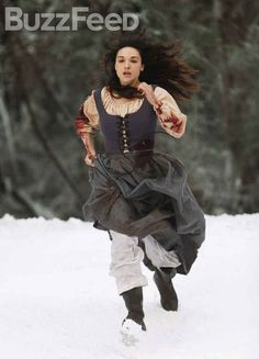 Photos of Crystal Reed from her new returning role in MTV Teen Wolf as Marie-Jeanne Valet, a woman from the Argent family line who once fought the Beast of Gévaudan. Crystal Reed, Crystal Marie, Best Tv Shows, Favorite Tv Shows, Favorite Quotes, Marie Jeanne Valet, Stiles And Malia, Teen Wolf Allison, Teen Wolf Quotes