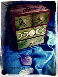 The Magical Cupboard Ivy and Moon Phases by Eire Crescent Wiccan Decor, Wiccan Crafts, Magick, Witchcraft, Moon Phases, Book Of Shadows, Gifts For Girls, Decorative Boxes, Crafty