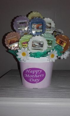 Yankee Candle Flowerpot/Bouquet: Homemade for Mother's Day.
