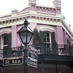Not sure what to wear in New Orleans? Find out what a fashion editor (and Louisiana native) packs for every trip to the bayou. New Orleans Fashion, New Orleans Travel, Southern Girls, Bourbon Street, Street Lamp, What To Pack, Street Signs, After Dark, Louisiana