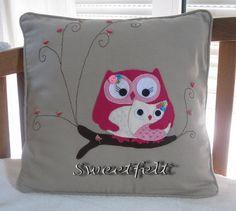 ♥♥♥ E como não há 2 sem 3 ... mais uma mãe coruja!!! by sweetfelt  ideias em feltro, via Flickr
