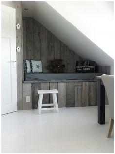 Mijn vergaarbak van leuke ideeën die ik wil toepassen in mijn huis. - Bedstee boven trappengat, extra ruimtewinning!