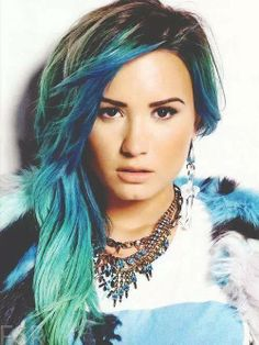 Demi Lovato blue ombre hair