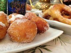 """La recette: Beignets de Hanouka, via le site """"Les Recettes de ma Mère"""" (beignets,dessert,fêtes juives,hanoucca,hanouka,parvé).  http://lesrecettesdemamere.net/recette/beignets-hanouka/"""