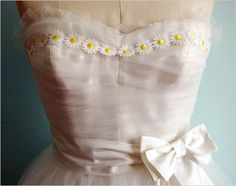 Vintage wedding dress with gorgeous daisy border. Inspired by the Michelle Vintage Diamond Engagement Ring from Bridal Dresses, Wedding Gowns, Daisy Wedding, Wedding Beach, Princess Wedding, Prom Dresses, 1950s Prom Dress, 1950s Dresses, Wedding Dress Gallery