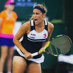 Love this shot of Monica Puig from today. She beat Mirjana Lucic-Baroni in the round. Monica Puig, Wta Tennis, Sport Tennis, New Girl, Body Positivity Photography, Dancer Photography, Flattering Swimsuits, Caroline Wozniacki, Tennis Players Female