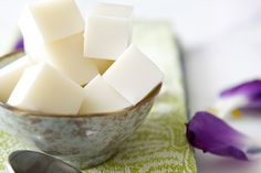 Coconut Jelly via Cake on the Brain. This is a very firm Jelly like you get at Yum Cha. Super tasty and gluten free. Gelatin Recipes, Jello Recipes, Real Food Recipes, Dessert Recipes, Primal Recipes, Dessert Ideas, Asian Desserts, Just Desserts, Delicious Desserts