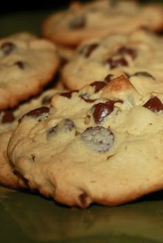 Super Soft Chocolate Chip Cookies - you will never guess the secret ingredient that keeps these cookies super soft, YUM!