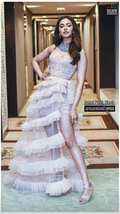 Cute Prom Dresses, Formal Dresses, Bridal Lehenga Choli, Bollywood Girls, South Indian Actress, Latest Pics, Sexy Legs, Indian Actresses, Wedding Gowns
