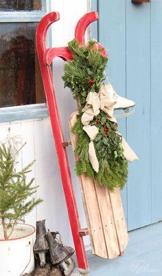 Build a Vintage Sled - 32 Astonishing DIY Vintage Christmas Decor Ideas Christmas Sled, Rustic Christmas, Christmas Projects, Vintage Christmas, Christmas Ideas, Xmas, Primitive Christmas, Holiday Ideas, Vintage Sled