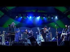 "▶ Van Morrison - ""Gloria"" [Live at the Hollywood Bowl, 2008] [From LP 'It's Too Late To Stop Now' 1974] `j"