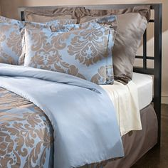 thinking about this for my guest bedroom?! @Overstock - Color options: Blue Style: Traditional Pattern: Damask http://www.overstock.com/Bedding-Bath/Venosa-300-Thread-Count-Cotton-Full-Queen-size-Duvet-Cover/5998102/product.html?CID=214117 $57.99