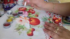 Pintura em tecido. Aprenda fazer maçãs, morangos e folhas.