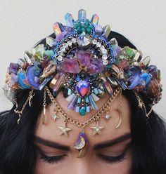 crown tiara Flower Crowns by Chelsea Mermaid Bra, Mermaid Crown, Cute Jewelry, Hair Jewelry, Seashell Crown, Mode Steampunk, Magical Jewelry, Crystal Crown, Crown Hairstyles