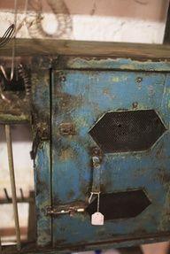 chippy primitives | Old Blue Primitive