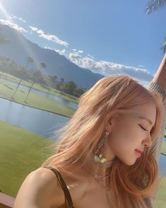 Find images and videos about kpop, aesthetic and rose on We Heart It - the app to get lost in what you love. Kim Jennie, Yg Entertainment, Bts Instagram, Instagram Roses, Kpop Girl Groups, Kpop Girls, Foto Rose, Blackpink Photos, Pictures
