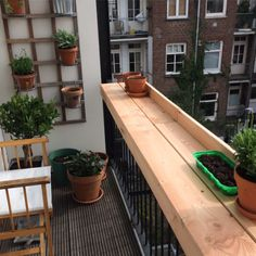 27 kleine wohnung balkon deko ideen - Wholehomekover - Home Ideas - Apartment Balcony Decorating, Apartment Balconies, Cool Apartments, Small Balcony Decor, Balcony Ideas, Tiny Balcony, Balcony Doors, Small Balconies, Pergola Ideas