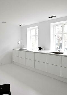 moderne keuken onder raam