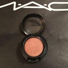 LE MAC Eyeshadow in Bold & Brazen LE MAC Eyeshadow in Bold & Brazen.  No box.  As is, never used.  Has a copper tone to it.  Very pretty with Swiss Chocolate.  Starflash finish. MAC Cosmetics Makeup Eyeshadow