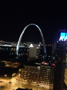 Night time picture of the St. Louis Arcg, Gateway to the West! They didn't have one of these in Middle Earth!! Middle Earth, The Middle, The St, Time Pictures, Sydney Harbour Bridge, Night Time, St Louis, Hands
