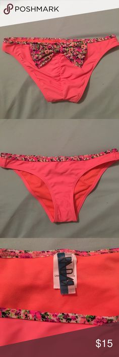 Swim bottoms Size S, Pacsun Radar brand sold by Pacsun, Size S, cheeky fit, never worn before, in perfect condition. It's more of a light coral orange color in person PacSun Swim Bikinis
