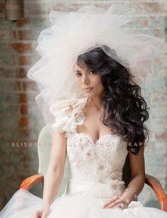 Bubble bruidssluierBridal Veil verkrijgbaar door VeilsAndHeadpieces