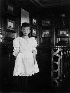 Anastasia, c.1908.