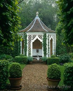 decordesignreview:  One of a pair of garden houses which were designed by John Fowler in the grounds of his hunting lodge