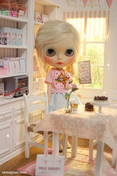 ♥ Handmade miniature diorama DOLCI DESSERT Cake shop/ Cafe  ♥     Is in 1/6 scale , perfect for Blythe, Pulllip , Monster High ,Barbie , Mo...