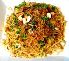 Khauk Swe Thoke (Noodle Salad)