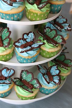 Butterfly cupcakes & Swiss Meringue Buttercream