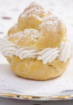 Recette de choux a la creme patissiere - Choux à la crème:  recette de choux a la creme et recette d'éclairs - Ingrédients (6 Personnes) : Pâte à choux - 80 g de beurre - 125 g de farine - 25 cl d'eau - 3 œufs - 1 cuillère à café de sucre - 1 pincée de sel Crème pâtissière...